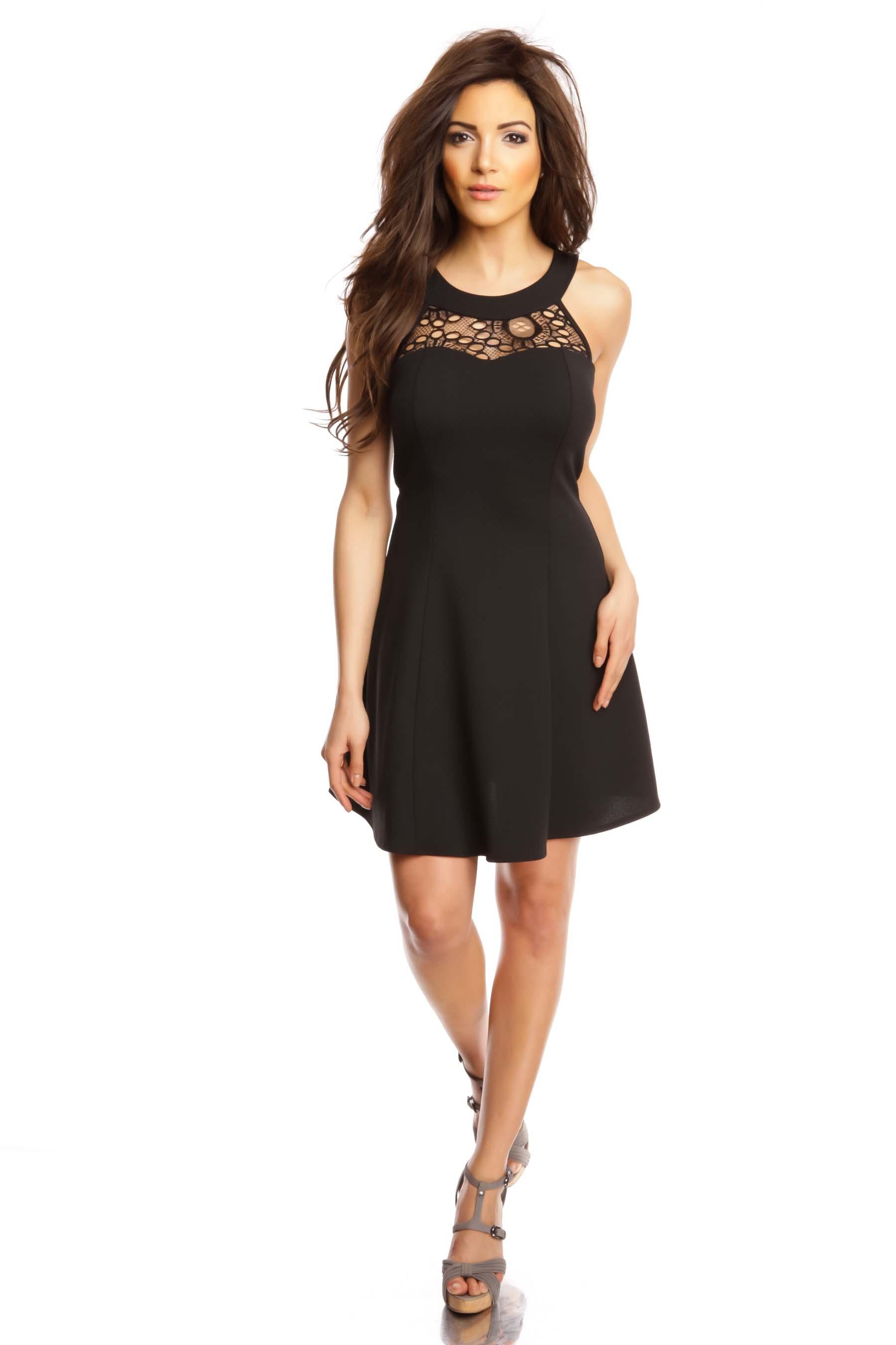 robe noire il vous en faut au moins une dans votre dressing. Black Bedroom Furniture Sets. Home Design Ideas