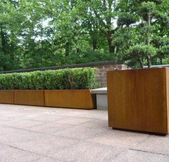 Jardinière bois : Comment j'aime décorer un balcon rapidement ?